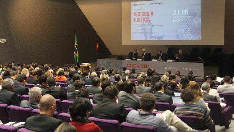 Especialistas debatem saídas para sobrecarga processual do Judiciário