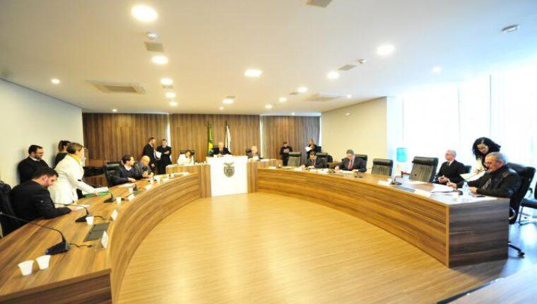 Projeto que flexibiliza exigência para que servidores do TJ residam na sede das comarcas passa na CCJ